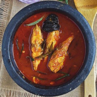 Red Fish Curry / Meen Mulakittathu
