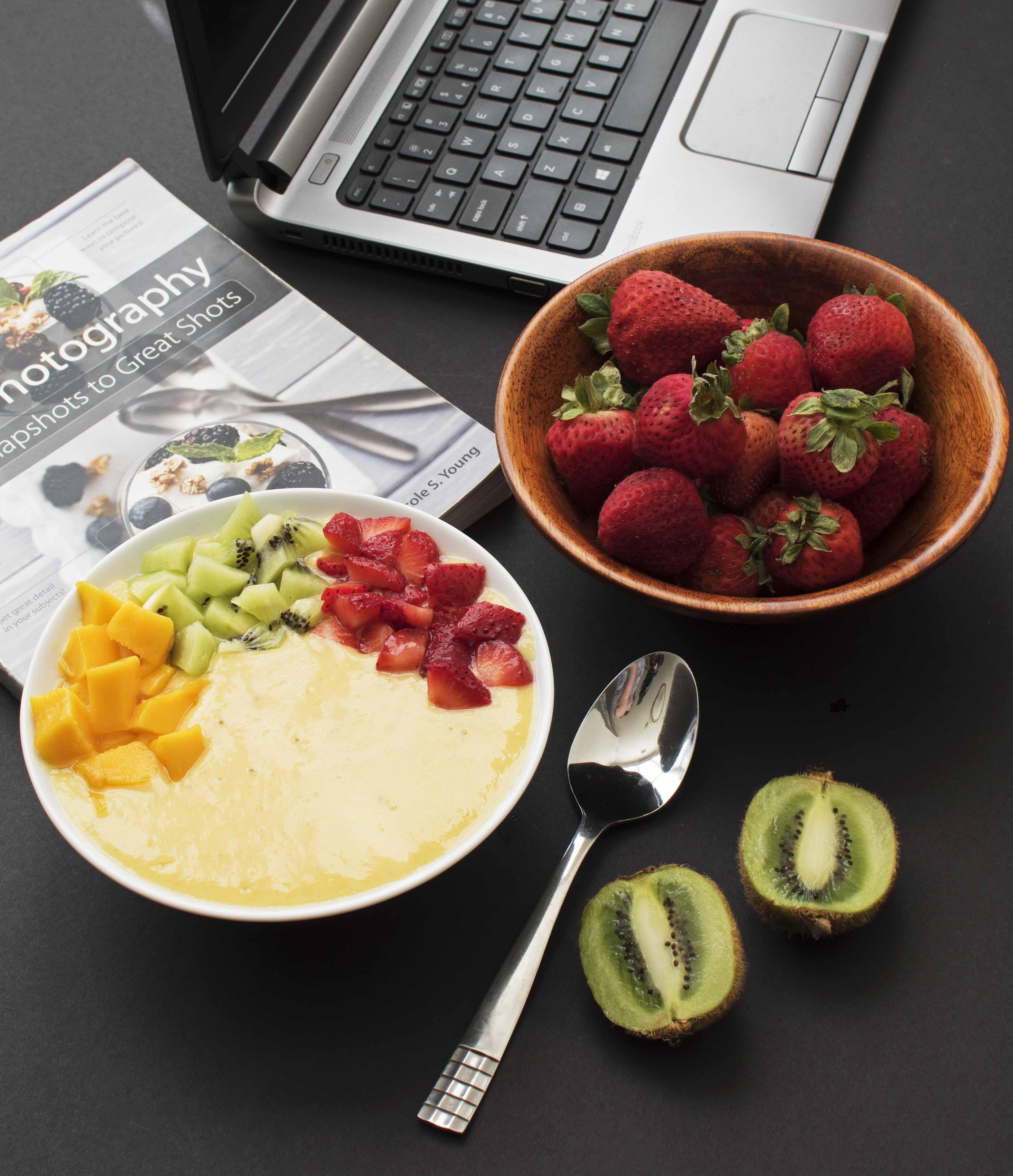 Mango Pineapple Smoothie Bowl - Pepper Delight #pepperdelightblog #recipe #smoothie #smoothiebowl #drinks #breakfast