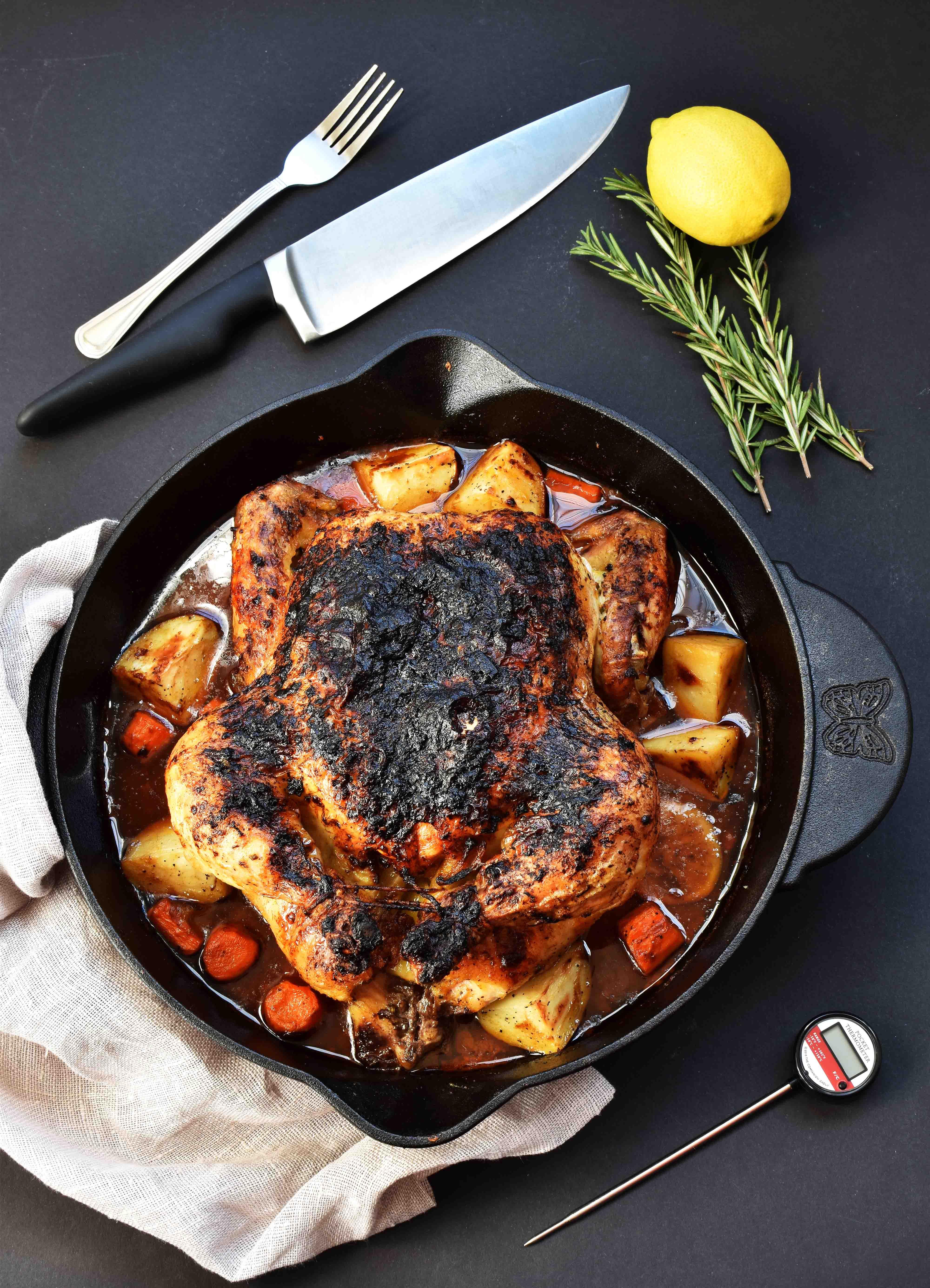 Garlic Rosemary Whole Roasted Chicken - Pepper Delight #pepperdelightblog #recipe #chicken #turkey #wholeroastedchicken #mashedpotatoes #thanksgiving #christmasrecipes