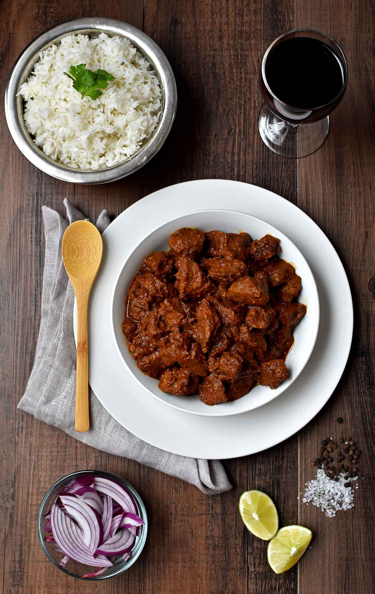 Pork Vindaloo- Pepper Delight #pepperdelightblog #recipe #vindaloo #thanksgiving #newyear #pork #kerala #goanporkvindaloo #slowcooked #christmas #holidayrecipes #goa #goanrecipes #festivals