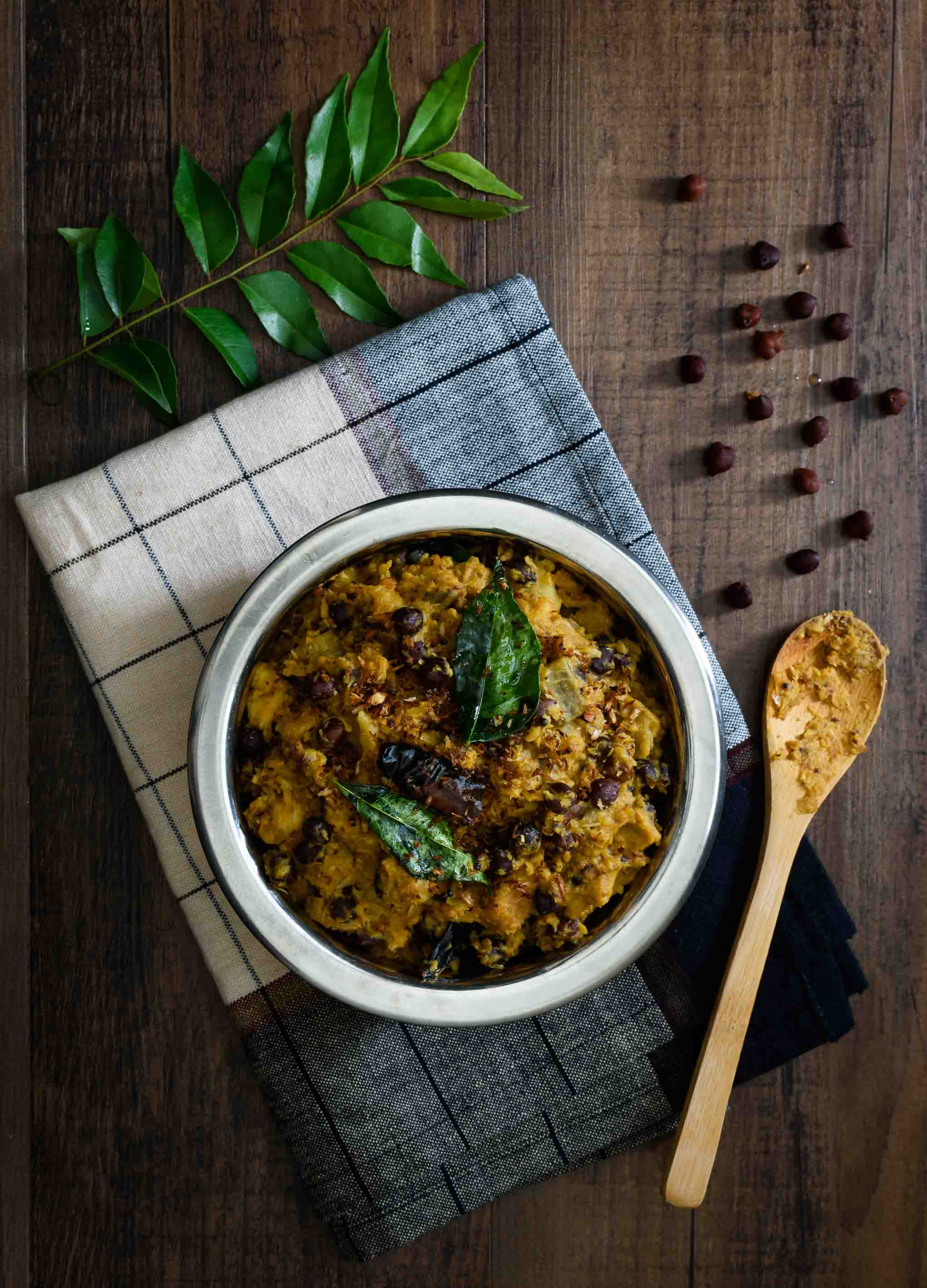 Kootu Curry/Kerala Style Plantain and Yam Curry