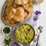 Vegetable Kurma- Pepper Delight #pepperdelightblog #recipe #kurma #vegetablekurma #southindianfood #indianrecipes #vegeterian #korma #indianfood #bestkurma #creamykurma #indianbreakfast #breakfast #healthy #sidedish #pooriandkurma #vegetablecurry #plantbased #cleaneating #vegeterian