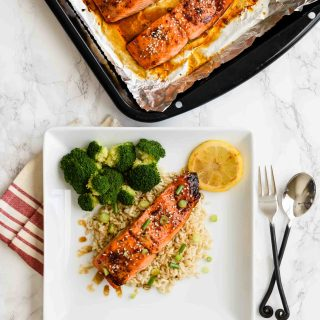 Bourbon Salmon- Pepper Delight #pepperdelightblog #recipe #salmon #bourbonsalmon #sheetpanrecipes #broiledsalmon #dinner #weeknightdinner #seafood #quickdinnners #bourbon #summerishere