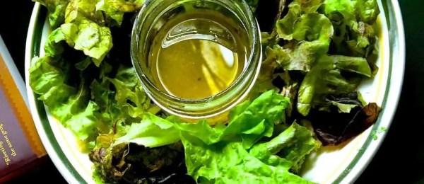 Serve salad with the shakshuka_pepperonpizza.com