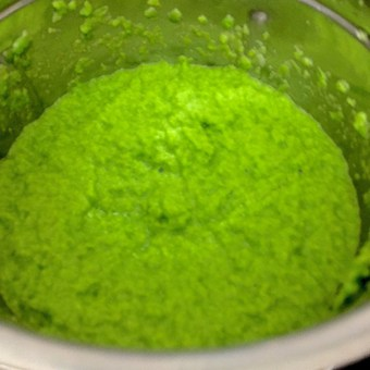 Mutter ka Nimona_make a paste of the green peas adding very little water