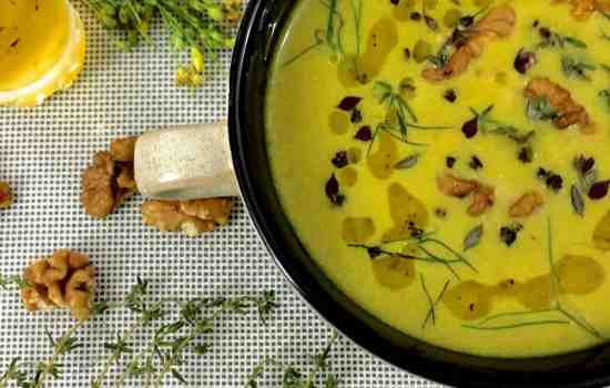 Turmeric Walnuts Fennel Soup with Raw Mango