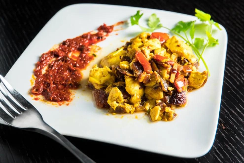 Tofu Bhurji - served (angle)