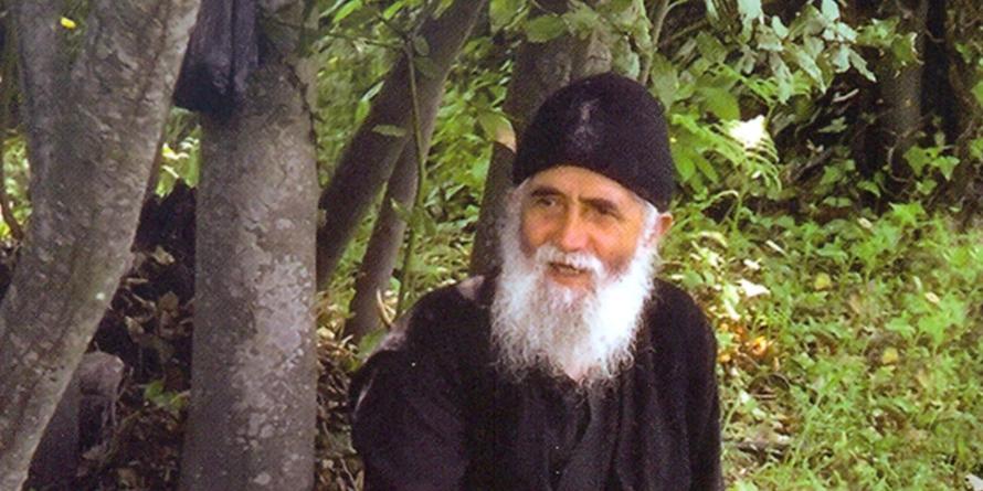 Αφιέρωμα στον Άγιο Παΐσιο Αγιορείτη από το Νυκτερινό μας Ραδιόφωνο.