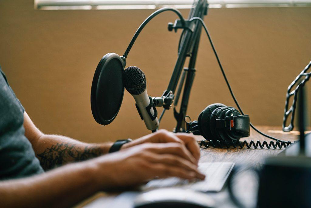 Mitos novos e hábitos perenes na comunicação