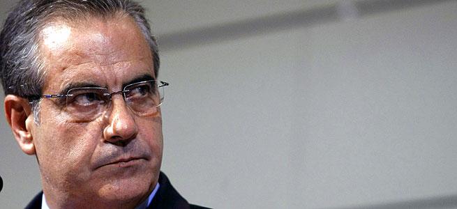 El Gobierno dará 420 euros al mes a más de 300.000 parados