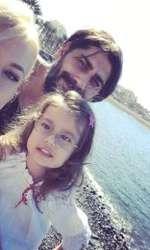 Connect-R, Misha și fetița lor