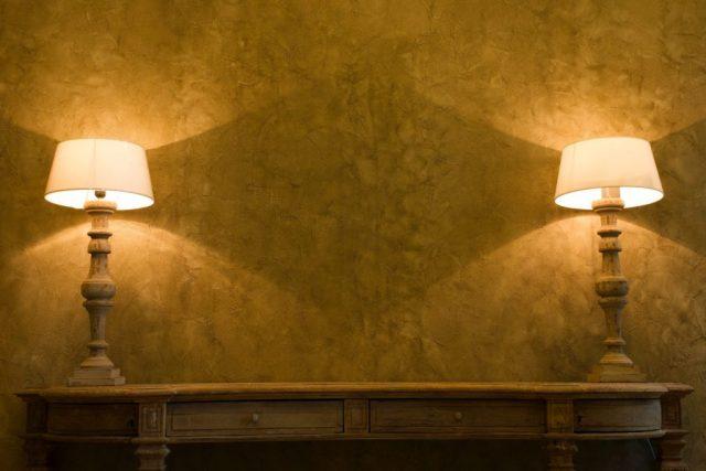 veioze, lampadare, lumina artificiala