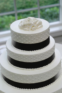 Black and White Wedding Cakes Gallery black and white wedding cakes