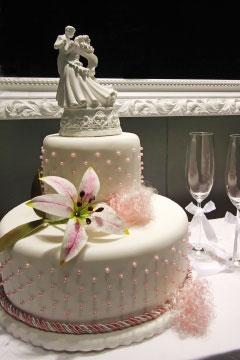 Ribbons Pearls Wedding Cake Designs