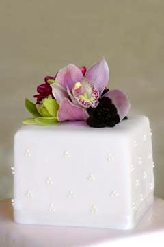 Love This Modern Turqoise And Orange Wedding Cake