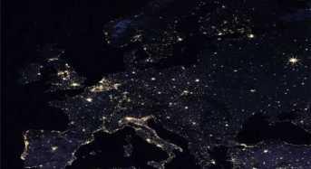 Εντυπωσιακές εικόνες από τη NASA: Η Γη τη νύχτα όπως φαίνεται από το διάστημα