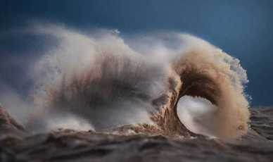 large-scary-waves-ocean-lake-erie-dave-sandford-9
