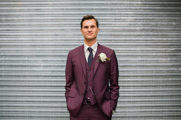 groom-colors-burgundy-emma-case-photo
