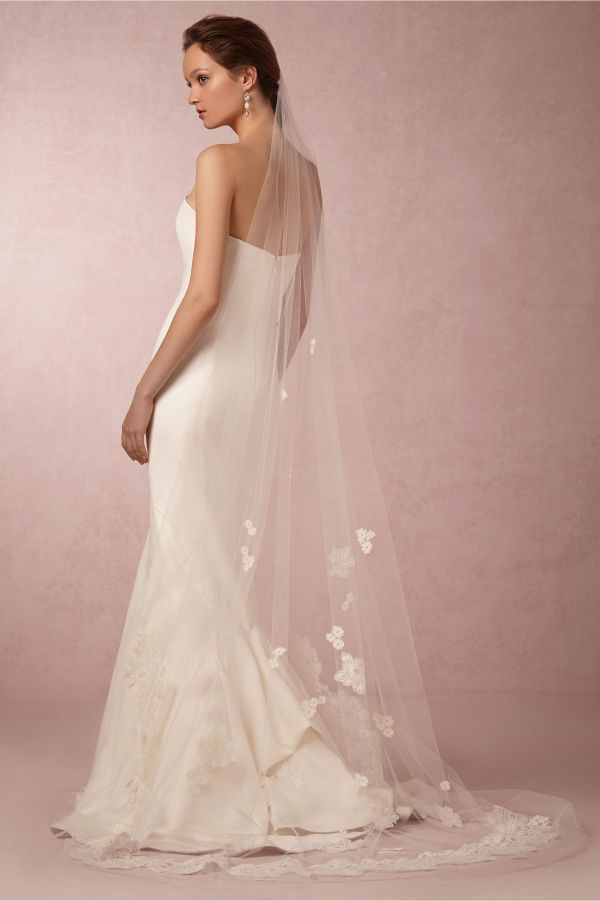 cascading lace veil