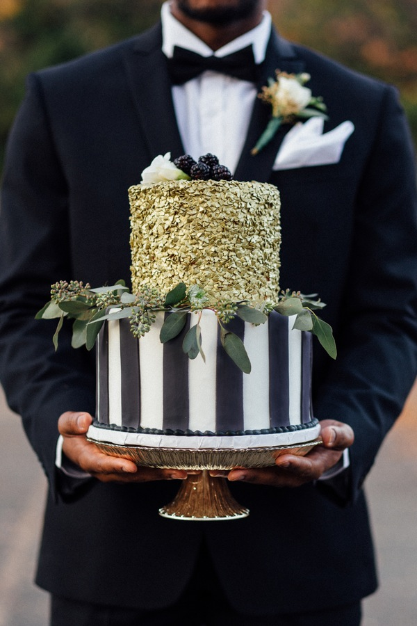 black and gold styled shoot-15