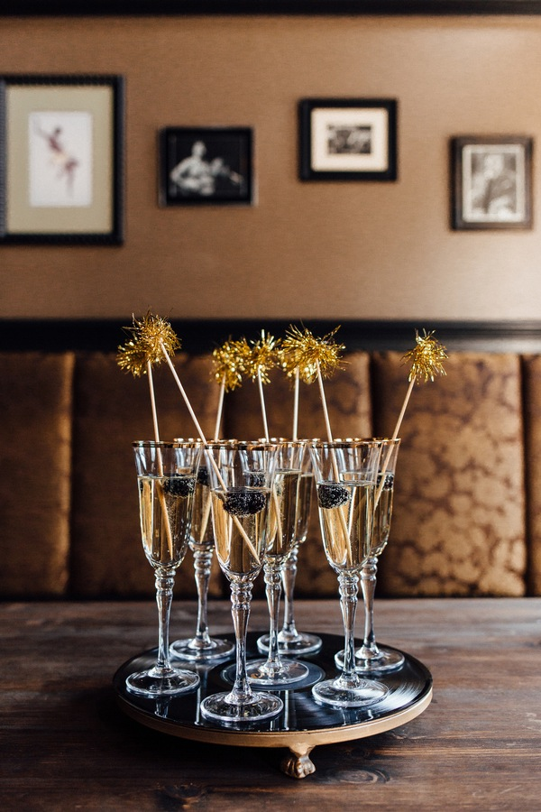 black and gold styled shoot-6