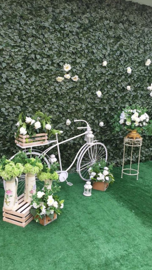 greenery-midsummer-nights-dream-decor