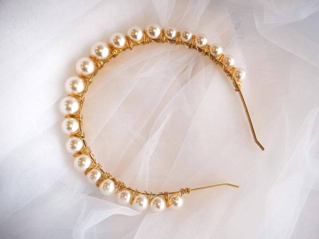 pearl and gold headband