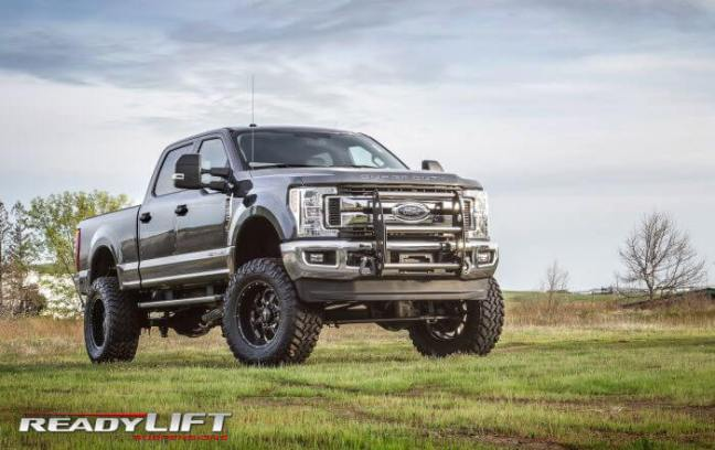 "ReadyLIFT: 8"" Lift Kit with SST3000 Shocks for '17-'18 Ford Super Duty SRW 4WD"