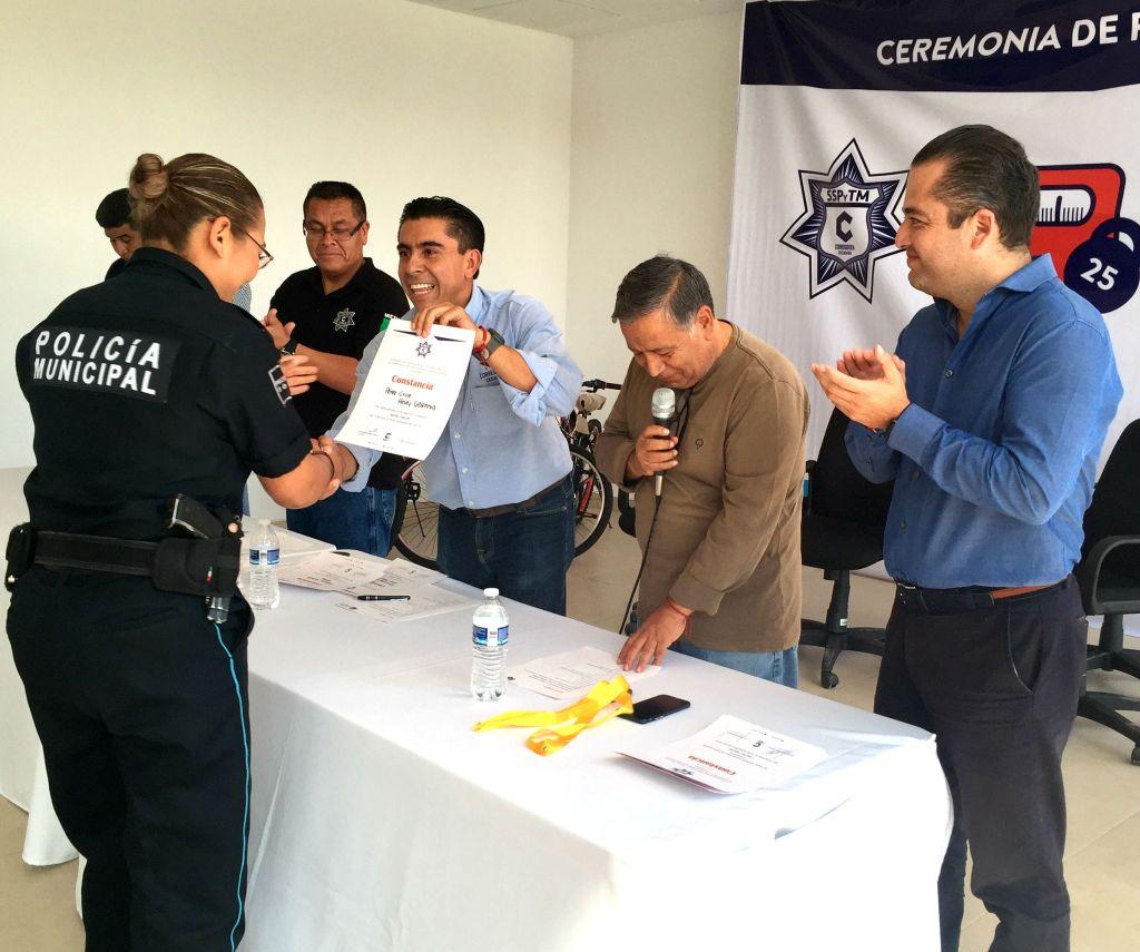 Mediante el programa -Kilos+Salud, los elementos policíacos recibieron información para tener una sana alimentación dentro y fuera de casa.