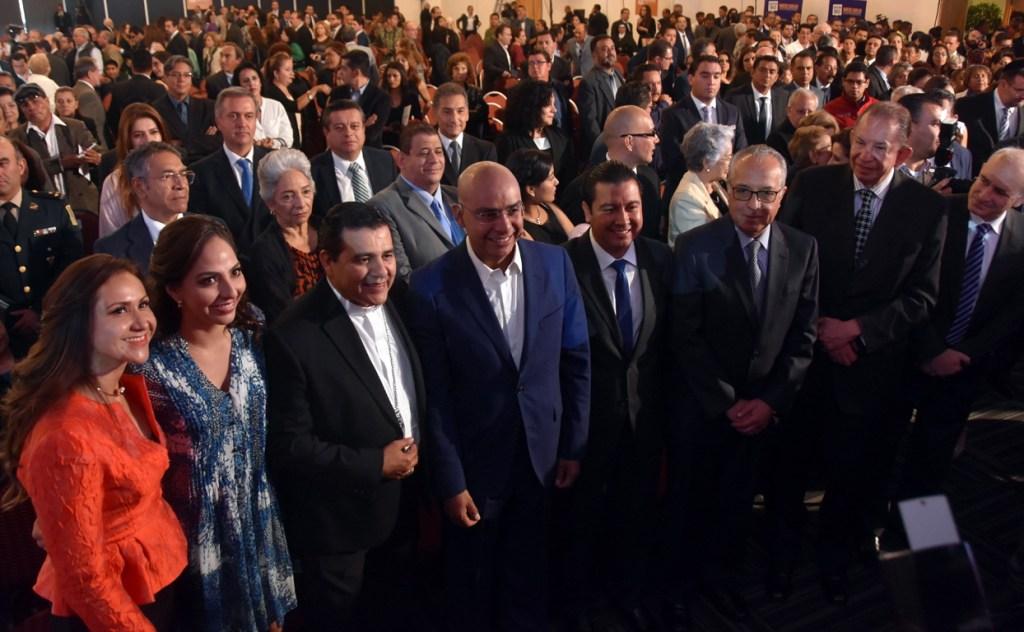 Ante legisladores Federales, locales y representantes de los tres poderes del Estado, así como ciudadanía en general, el Alcalde de Querétaro, rindió cuentas a los capìtalinos.