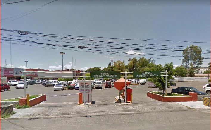 Plaza de las Américas deberá de otorgar 2 horas gratis a sus clientes