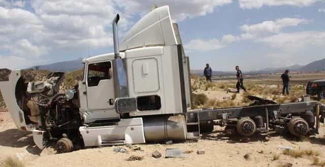 El índice de robos de camiones de transporte de mercancía, que en 2016 se incrementó en 200 por ciento. Foto: Tomada de internet.