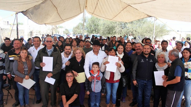 Agustín Dorantes encabeza firma de 140 escrituras en Colón