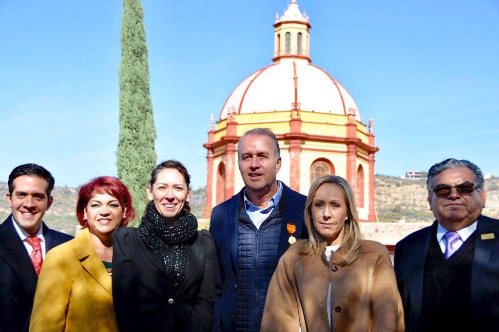 el presidente municipal de El Marqués, Mario Calzada Mercado, recibió los resultados de la Cuarta Evaluación del Observatorio Ciudadano de Querétaro.