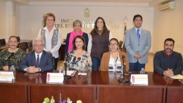 Construir sinergias para eliminar la desigualdad y la discriminación a mujeres, proponen especialistas durante seminario en IEEQ