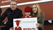 Mario Calzada entrega becas de transporte escolar en El Marqués