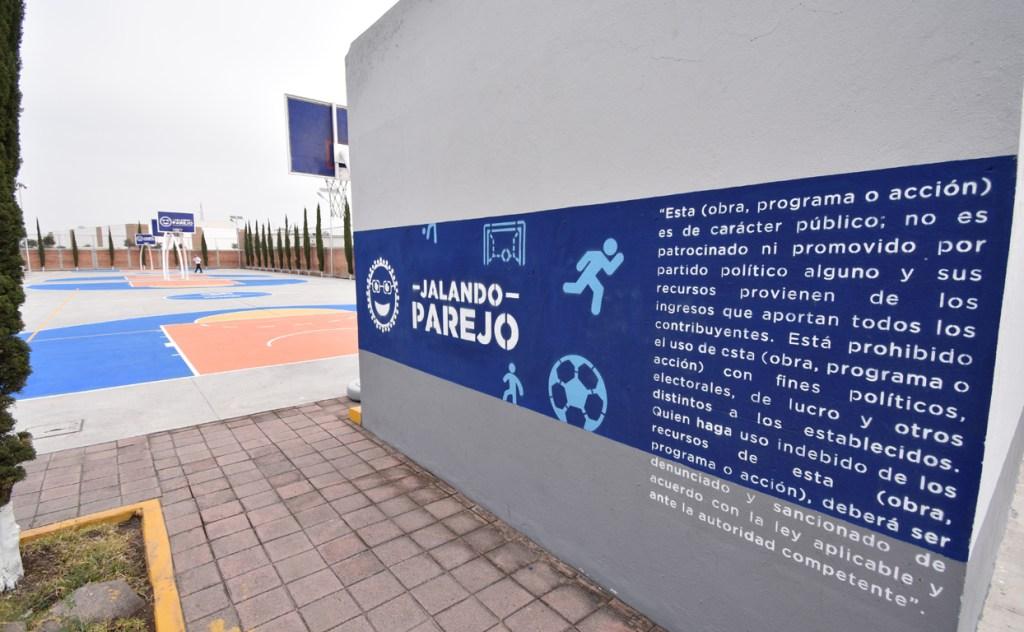 El alcalde recordó que esta es una inversión histórica, pues ningún gobierno municipal había tomado la decisión de rehabilitar todas las unidades deportivas que existen en el municipio.