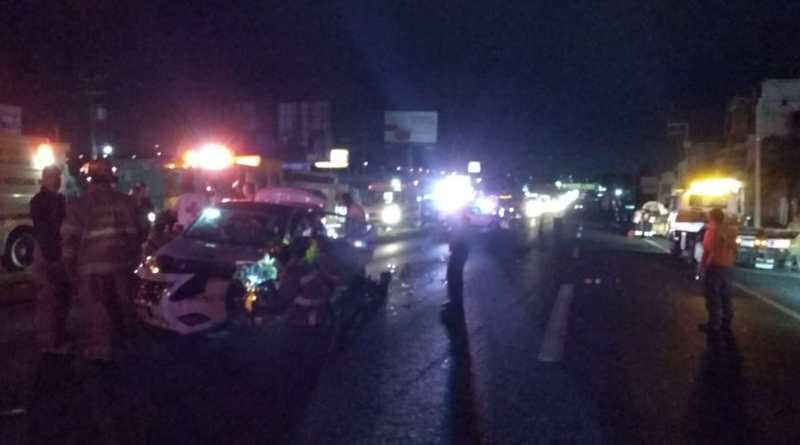 Carambola vehicular deja 4 heridos y 2 burros muertos en la Morelia-Salamanca