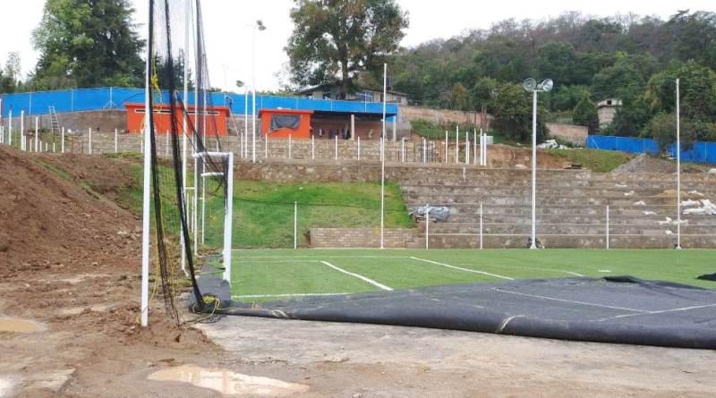 Causa daños construcción de canchas de futbol