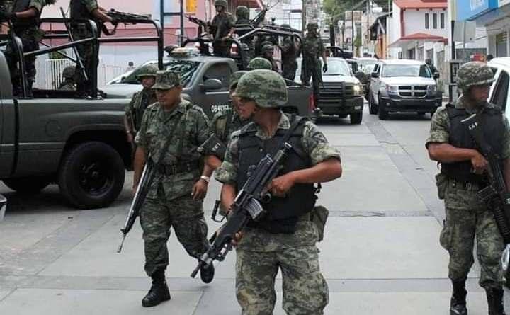 Tiroteo entre pistoleros y militares en el municipio de Ario de Rosales deja un presunto delincuente muerto