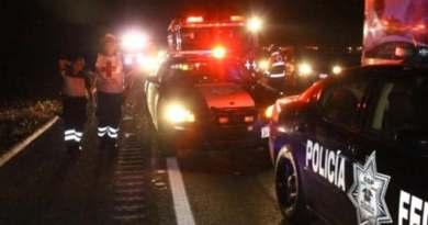 """Desgracia en la """"Siglo XXI"""": 4 muertos y 15  heridos en volcadura de pipa con amoníaco"""