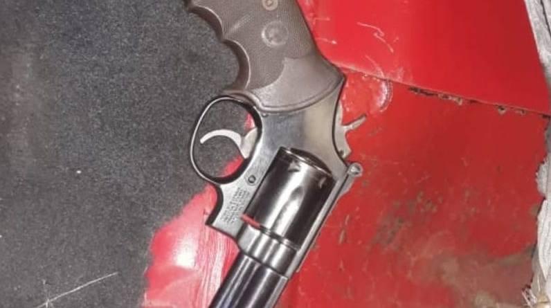 Detienen SSP y GN a uno en posesión de arma de fuego y cartuchos útiles