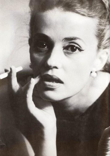 La icónica estrella del cine galo, protagonista de grandes películas que hoy en día ya son consideradas clásicos, trabajó con directores de renombre como François Truffaut, Orson Welles, Wim Wenders