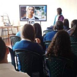 Abierta convocatoria para proyectos gestionados por jóvenes encaminados a la prevención de la maternidad y la paternidad temprana