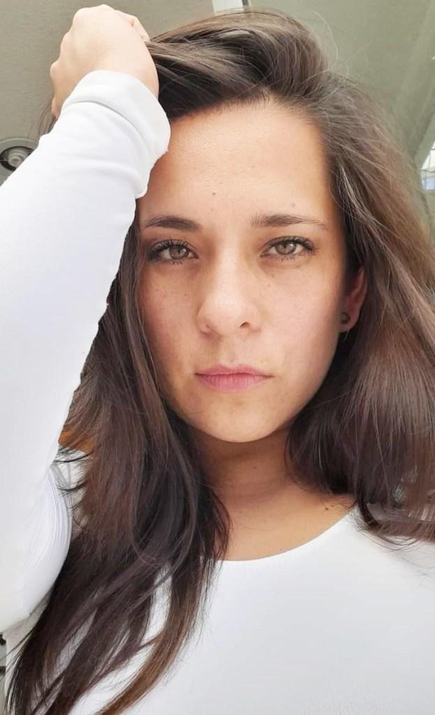 Karen Lazcano.