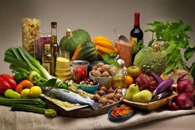 Διάσημος ογκολόγος αποκαλύπτει: Αυτές είναι οι τροφές που καταπολεμούν τον καρκίνο