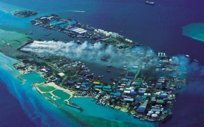 Thilafushi: Το νησί-χωματερή των Μαλδίβων!