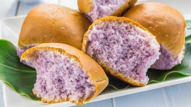 Μοβ… ψωμί στο τραπέζι μας!