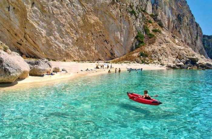 Αγνωστα ελληνικά νησιά ανέγγιχτοι παράδεισοι με κρυστάλλινα νερά και ατελείωτες αμμουδιές