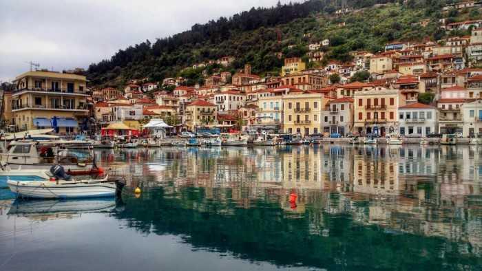 Γύθειο Ο πιο ρομαντικός προορισμός στην Πελοπόννησο που θυμίζει νησί